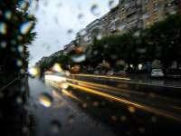 VREMEA - Precipitații mixte, ninsori la și intensificări ale vântului în toată țară, începând din această noapte