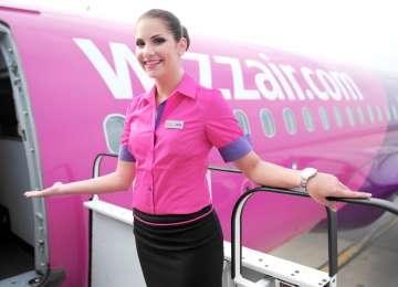Wizz Air România caută stewardese. Salariul ajunge la 1.000 de euro