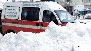 Zăpada şi viscolul au făcut primele victime. Două persoane au decedat