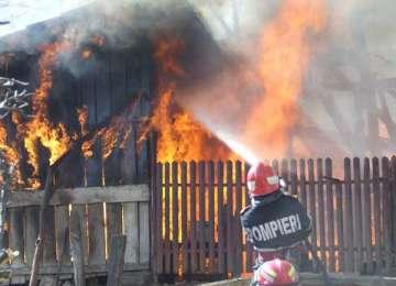 Zi de foc pentru pompierii maramureșeni. Incendii la Suciu de Sus, Moisei și Borșa