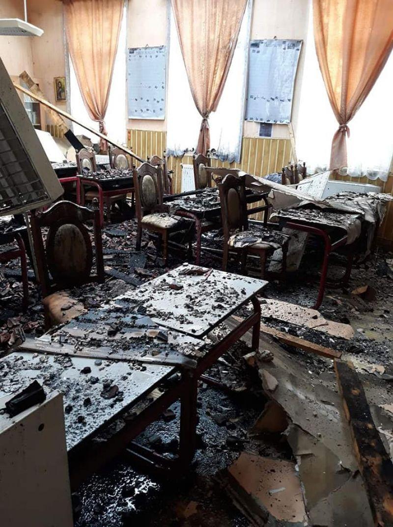 ACTUALIZARE: FOTO&VIDEO - INCENDIU la școala din Văleni