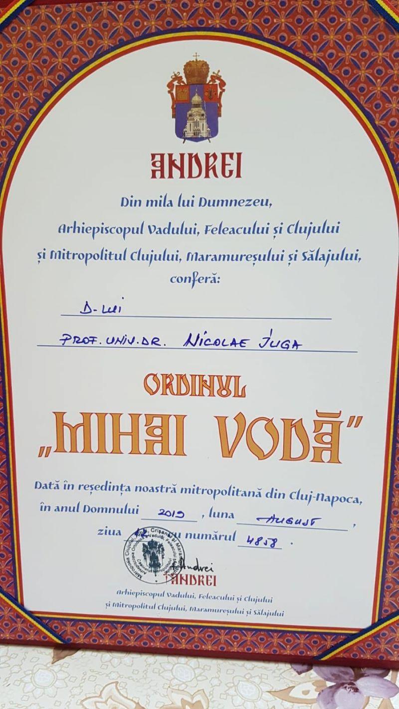 """Prof. univ. dr. Nicolae Iuga a primit medalia Ordinului """"Mihai Vodă"""" al Arhiepiscopiei Vadului, Feleacului și Clujului"""