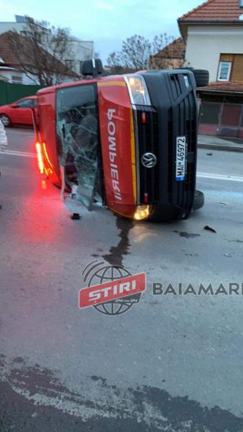 VIDEO - Autospecială ce aducea români din Franța de la Cluj la Sighet, s-a răsturnat. În Sighet se deschide un nou centru de carantină