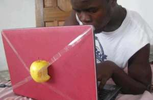 Laptopul Apple