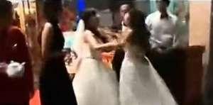 VIDEO - Nuntă cu surprize: Mireasa şi amanta s-au luat la bătaie