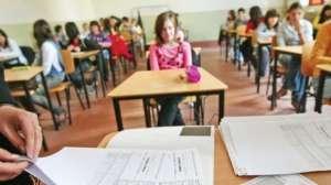 """""""Perlele"""" elevilor la EVALUAREA NAŢIONALĂ 2015"""