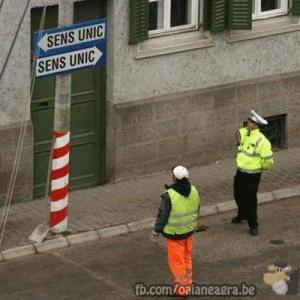 Polițiști nelămuriți :)