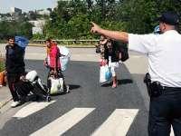 Teroriștii ISIS se plâng poliției că românii din Paris le tot fură centurile cu explozibil