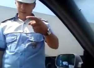 VIDEO - Un poliţist face SENZAŢIE pe internet!